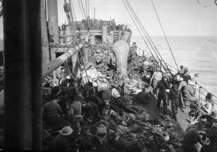 ww2_soldiers_on_the_ship_thurland_castle_after_the_evacuation_of_greece-_april_1941-