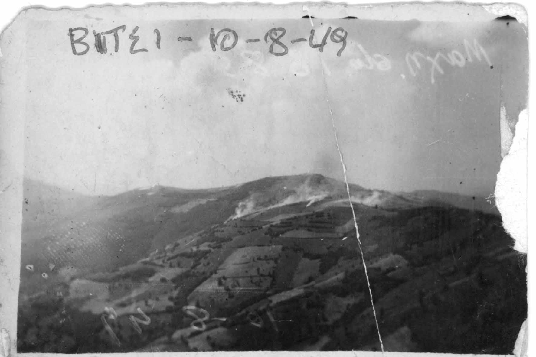 Τα υψώματα Πολενάτας και 1685 βάλλονται από τον ΕΣ πριν την εκδήλωση της επίθεσης το πρωί της 10/8/1949