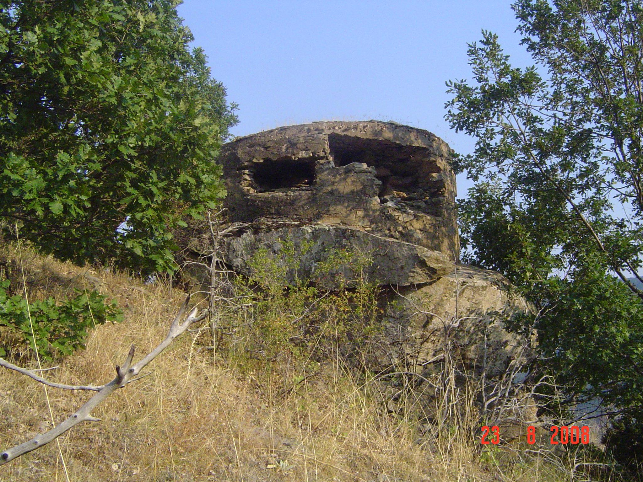 υψωμα 1033 και μαχη της φλωρινας ( το πολυβολειο ειναι του ΕΣ στις παρυφες του υψωματος χτυπημενο μαλλον από panzerfaust του ΔΣΕ)