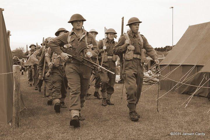 21 battalion leaves for battle