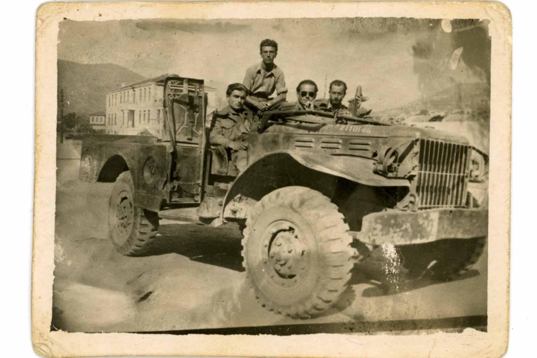 Στρατιώτες με όχημα του 507 στη Φλώρινα, 1949