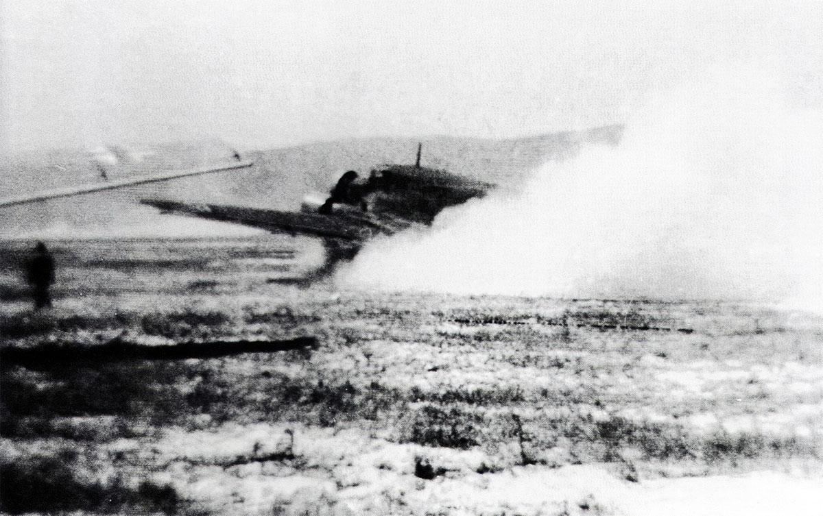 Unternehmen-Merkur-Junkers-Ju-52-3mg4e-KGrzbV2-during-the-invasion-of-Crete-1941-01