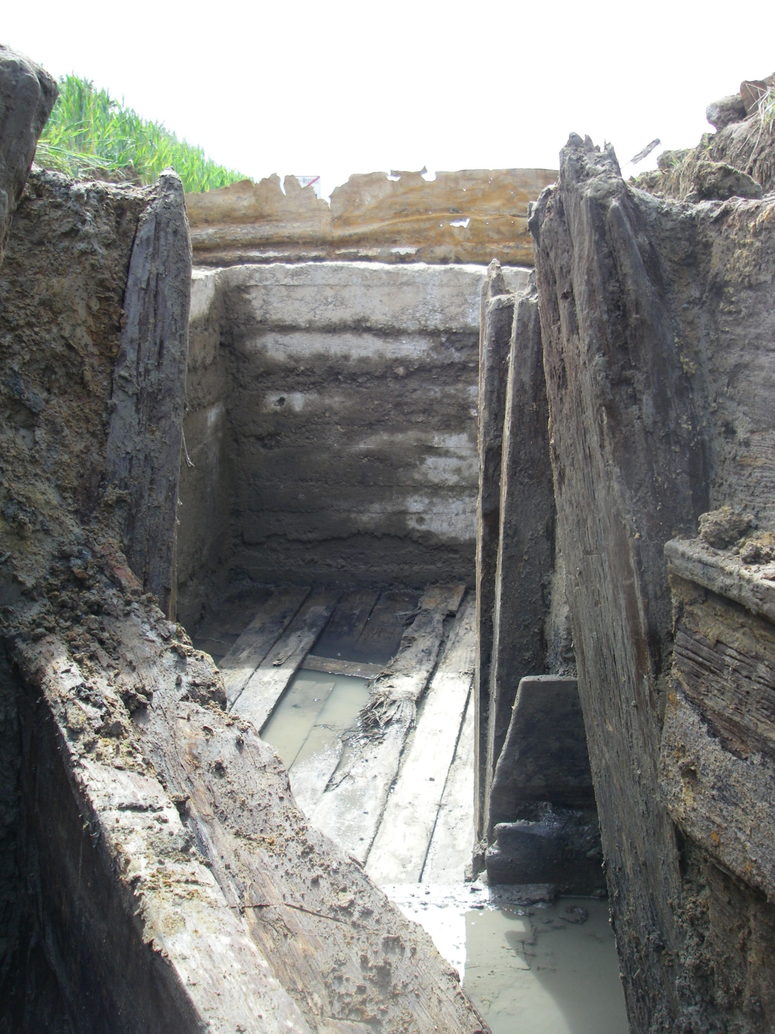 Messines - German bunker with trench - copyright ADEDE