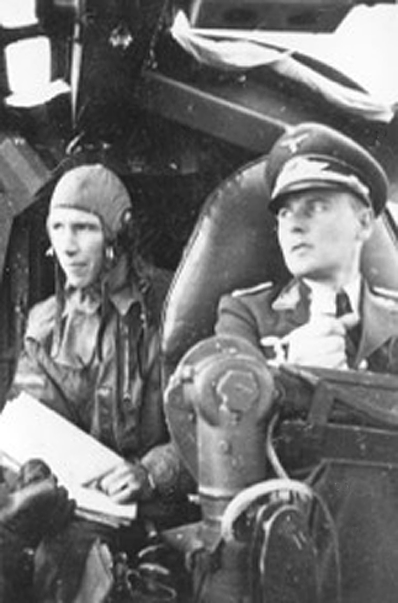 Oblt. Gunter Klemm (right) at the controls of a He III in 1940. (Photo: Klemm family via Russell Brown)