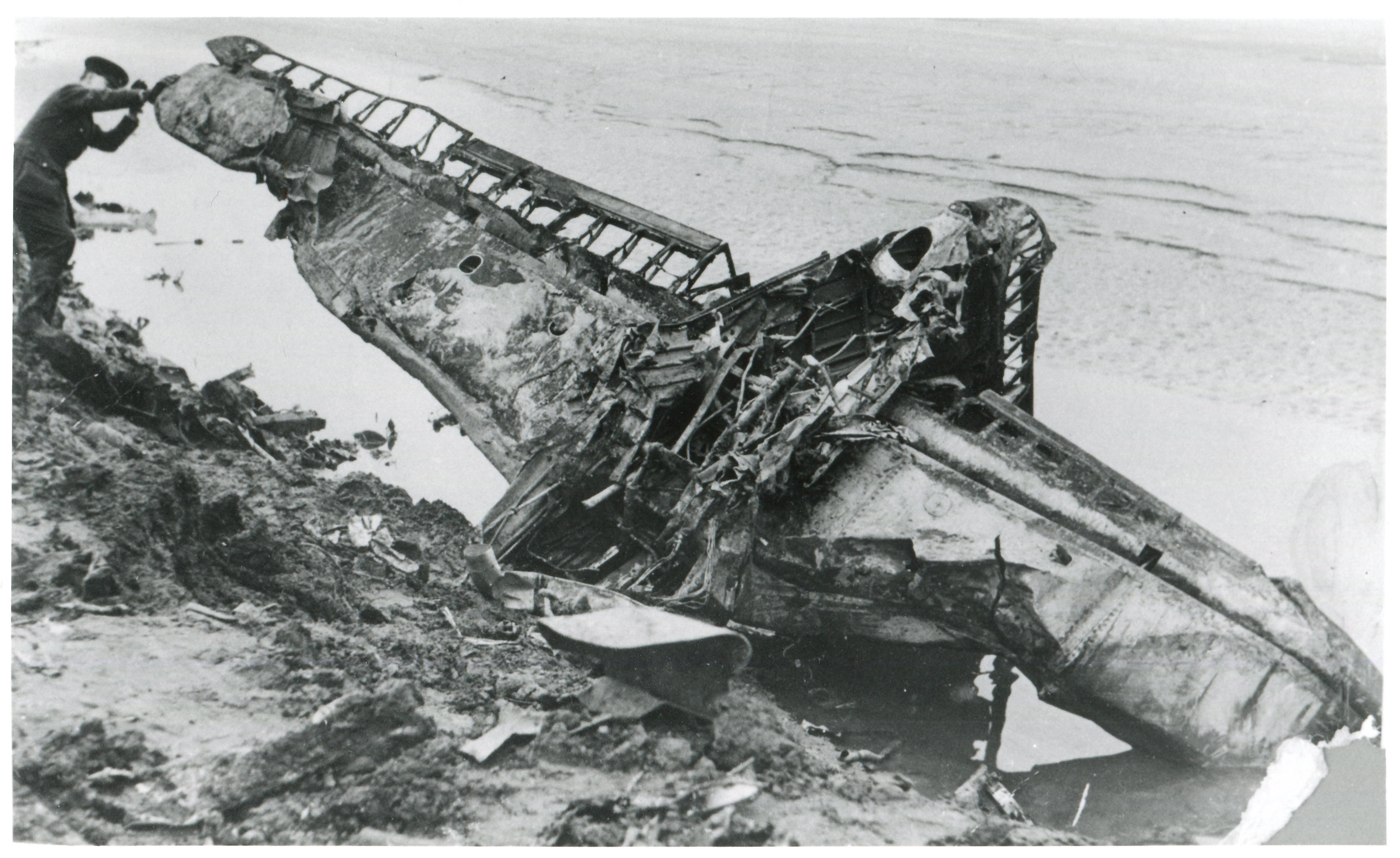 he largest recognisable section of the Ju88 after the crash - amazingly this proved to still be there, though only the anodised sections of the spars and structure had survived. (Photo: Russell Brown Collection)