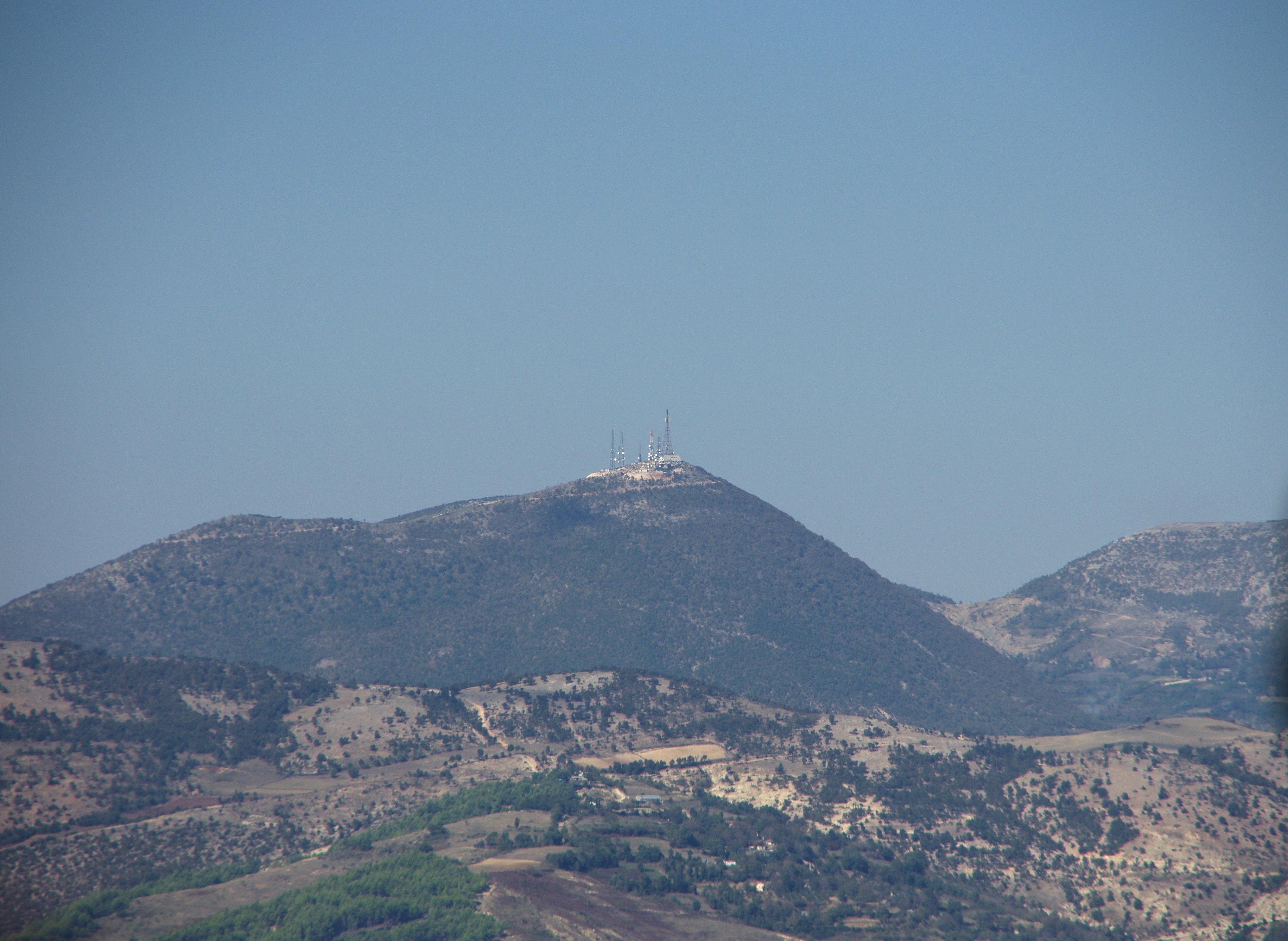 υψωμα Μοναστερο απο οπου παρακουλουθουσε την επιθεση ο Μουσολινι