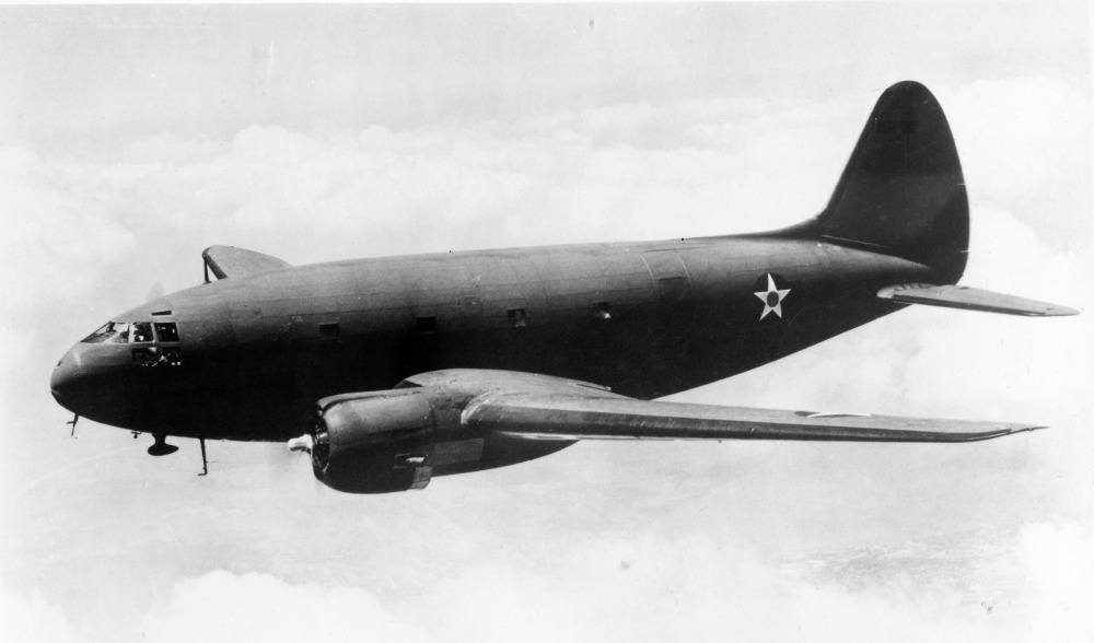 Curtiss_C-46_Commando_41-5180_1942_(16139609402)