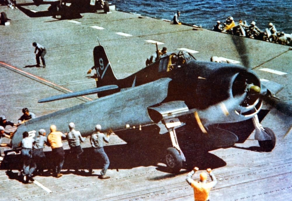 F6F-3_USS_Yorktow_1943_1944