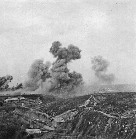 On 3 October 1943, German forces landed at Kos. Three companies of II./Gren.Rgt.16 were delayed by stiff resistance at an 'ammunition dump', actually a logistics camp: Caserna Germè-Esculapio.