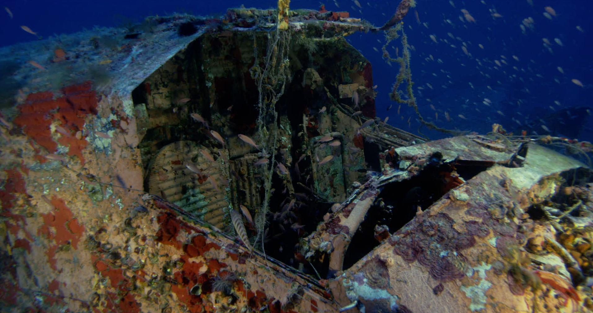 Exploring a Ju 52 wreck