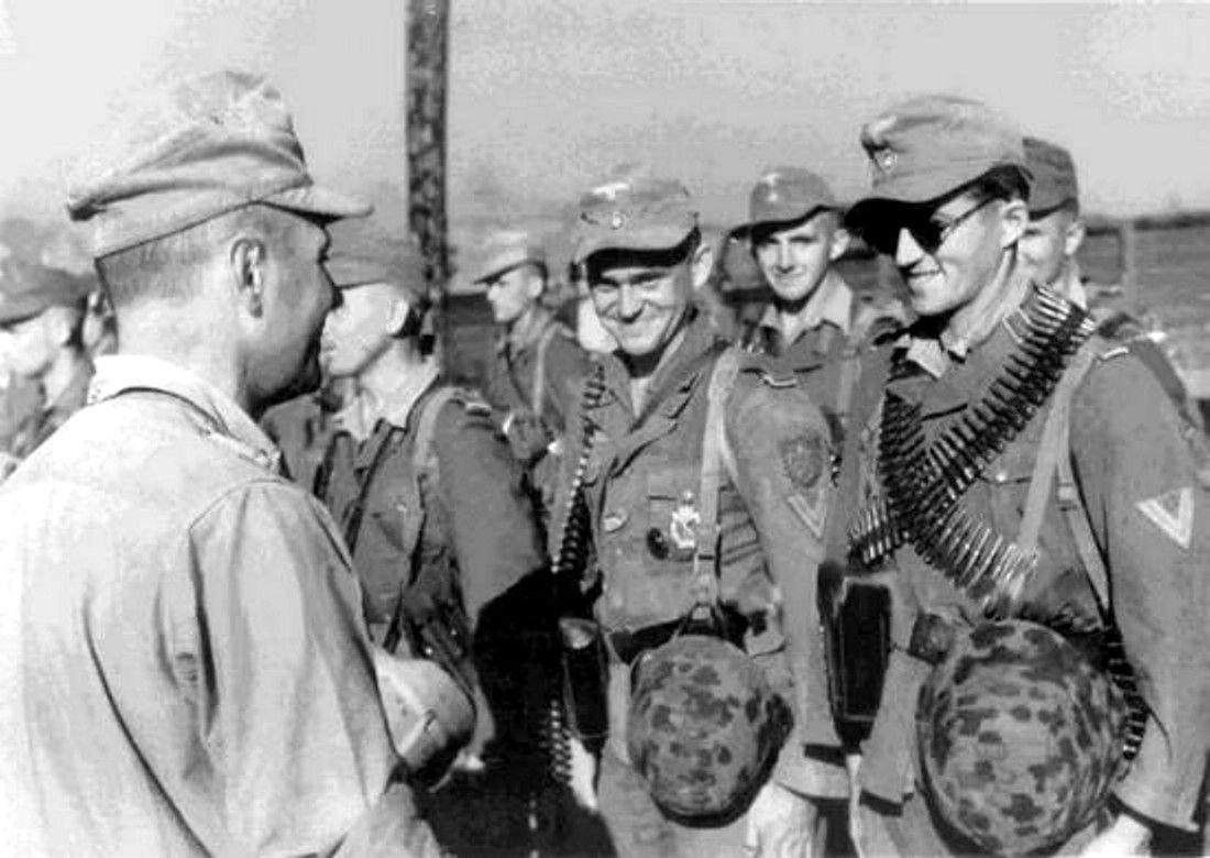 """Kompanie der Küstenjäger-Abteilung der Brandenburger auf der Insel Kos nach dem erfolgreichen Unternehmen """"Eisbär"""", 4. Oktober 1943"""