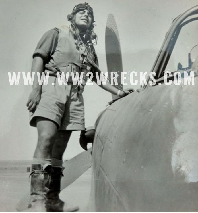 Αναμνηστική φωτογραφία του Ιωάννη Κατσαρού με το Hurricane του