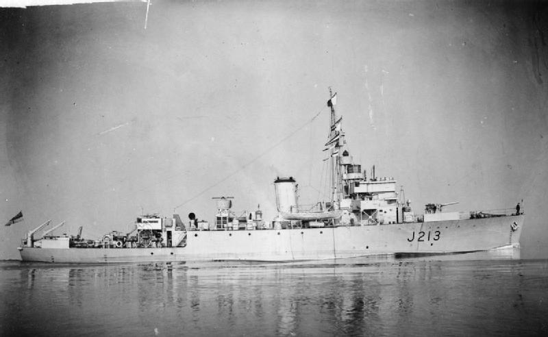 HMS Algerine, the minesweeper after which the class was named, similar to HMS Regulus.