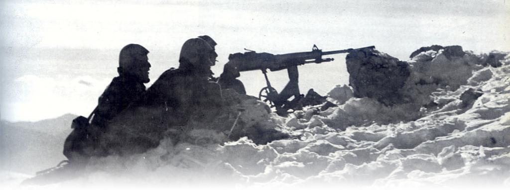 Greek machine gunners on the mountains, 1940
