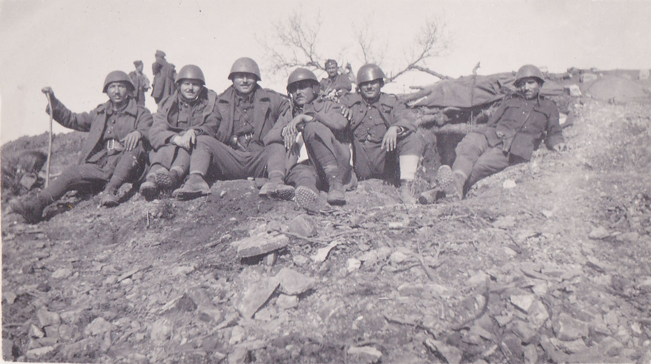 Greek soldiers at the front, 1940