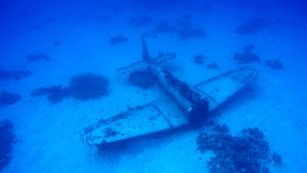 Descending into the welcoming waters of Kwajalein and seeing WW2 aviation history right before your eyes!