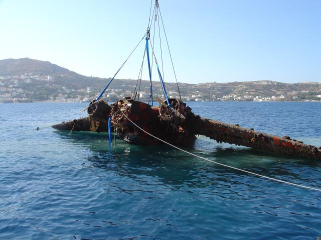 The Ju52 is lifted off the seabed. PHOTO: www.haf.gr